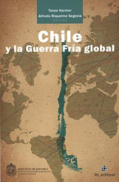 Cubierta en tonos café claro, ilustrada por un mapa del mundo en color café, al centro se aprecia un mapa de Chile en color verde. En la parte superior central, en un recuadro color verde, se encuentran los nombres de los editores en letras pequeñas de color blanco. Más abajo aparece el título en letras grandes de color blanco.
